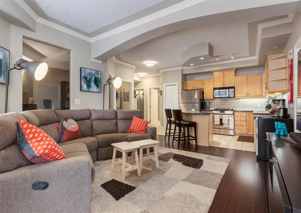 Main Photo: 405 1315 12 Avenue SW in Calgary: Beltline Apartment for sale : MLS®# A1094934