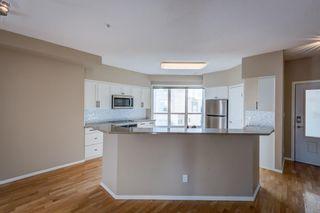 Photo 4: 311 10717 83 Avenue in Edmonton: Zone 15 Condo for sale : MLS®# E4266381