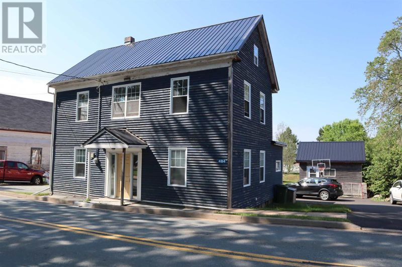 FEATURED LISTING: 484 Main Street Liverpool