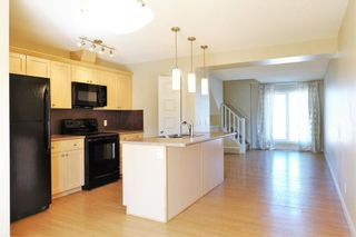 Photo 3: 1419 CUNNINGHAM Drive in Edmonton: Zone 55 Townhouse for sale : MLS®# E4239672
