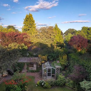 Photo 37: 1859 Monteith St in : OB North Oak Bay House for sale (Oak Bay)  : MLS®# 854936