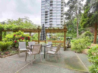 """Photo 13: 304 1740 COMOX Street in Vancouver: West End VW Condo for sale in """"The Sandpiper"""" (Vancouver West)  : MLS®# R2178648"""