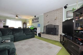 Photo 2: 2298 IMPERIAL Street in Abbotsford: Abbotsford West House for sale : MLS®# R2043924