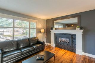 """Photo 3: 1254 DEPOT Road in Squamish: Brackendale House for sale in """"BRACKENDALE"""" : MLS®# R2012595"""