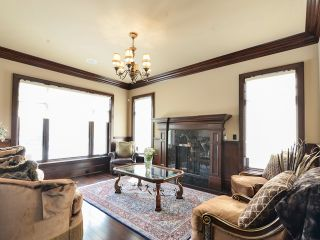 Photo 8: 4604 Donsdale Drive in Edmonton: Donsdale House for sale