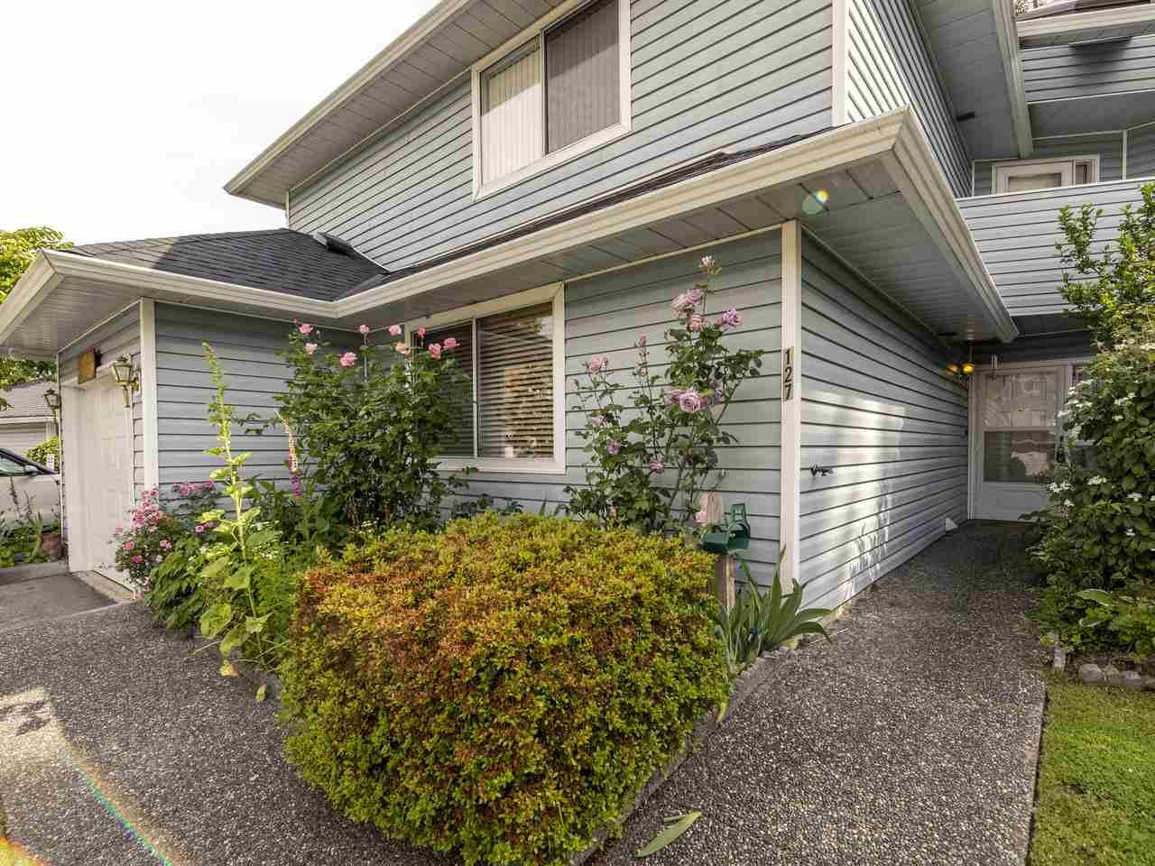 """Photo 2: Photos: 127 22555 116 Avenue in Maple Ridge: East Central Townhouse for sale in """"HILLSIDE"""" : MLS®# R2493046"""