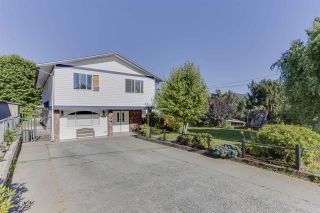 "Photo 2: 8166 LAWRENCE Lane in Mission: Hatzic House for sale in ""Hatzic Bench"" : MLS®# R2482472"