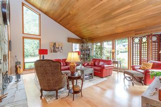 Photo 4: 839 Wavecrest Pl in VICTORIA: SE Broadmead House for sale (Saanich East)  : MLS®# 838161