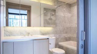 """Photo 2: 603 89 NELSON Street in Vancouver: Yaletown Condo for sale in """"THE ARC"""" (Vancouver West)  : MLS®# R2414880"""