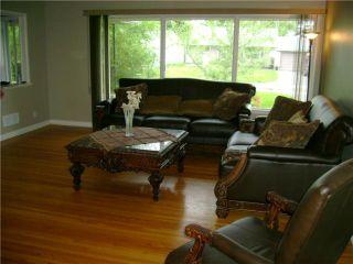 Photo 3: 110 Garrioch Avenue in WINNIPEG: St James Residential for sale (West Winnipeg)  : MLS®# 1010728