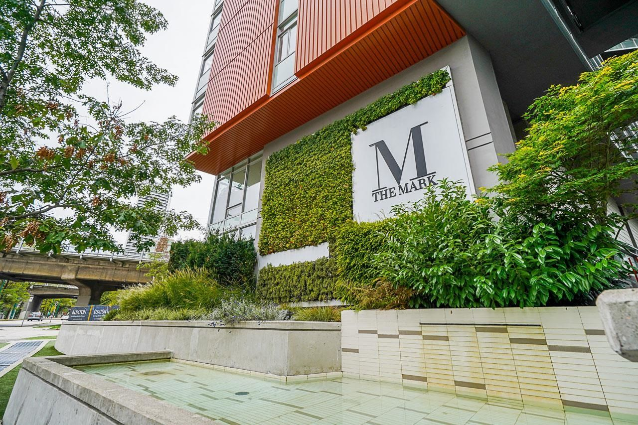 """Main Photo: 309 1372 SEYMOUR Street in Vancouver: Downtown VW Condo for sale in """"The Mark"""" (Vancouver West)  : MLS®# R2616308"""