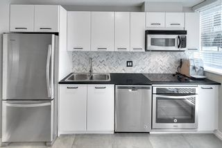 """Photo 7: 202 1199 SEYMOUR Street in Vancouver: Downtown VW Condo for sale in """"BRAVA"""" (Vancouver West)  : MLS®# R2260600"""