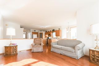 Photo 5: 102 Rutledge Crescent in Winnipeg: Harbour View South Residential for sale (3J)  : MLS®# 202122653