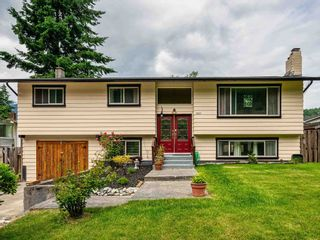 """Photo 4: 38221 GUILFORD Drive in Squamish: Valleycliffe House for sale in """"Valleycliffe"""" : MLS®# R2595387"""