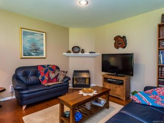 Photo 7: 1017 Kingsley Cres in COMOX: CV Comox (Town of) House for sale (Comox Valley)  : MLS®# 785781