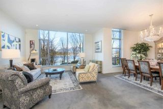 """Photo 2: 102 277 THURLOW Street in Vancouver: Coal Harbour Townhouse for sale in """"Three Harbour Green"""" (Vancouver West)  : MLS®# R2595080"""
