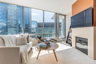 """Photo 6: 2706 1077 W CORDOVA Street in Vancouver: Coal Harbour Condo for sale in """"SHAW TOWER"""" (Vancouver West)  : MLS®# R2173545"""