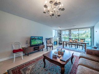 "Photo 3: 5E 328 TAYLOR Way in West Vancouver: Park Royal Condo for sale in ""THE WESTROYAL"" : MLS®# R2380863"
