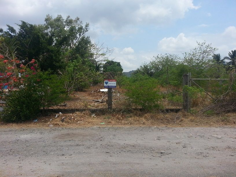Main Photo: Playa Malibu, Nueva Gorgona - Single large lot with beach access!