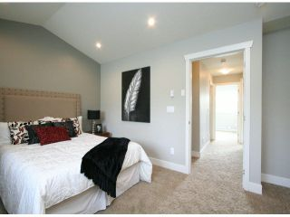 """Photo 13: 3 14177 103 Avenue in Surrey: Whalley Townhouse for sale in """"THE MAPLE"""" (North Surrey)  : MLS®# F1425574"""