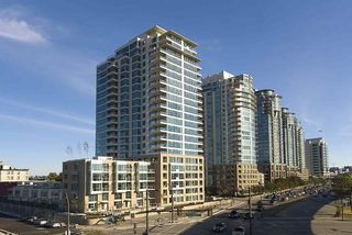 """Photo 1: 1604 125 MILROSS Avenue in Vancouver: Mount Pleasant VE Condo for sale in """"CREEKSIDE at CITYGATE"""" (Vancouver East)  : MLS®# R2077130"""