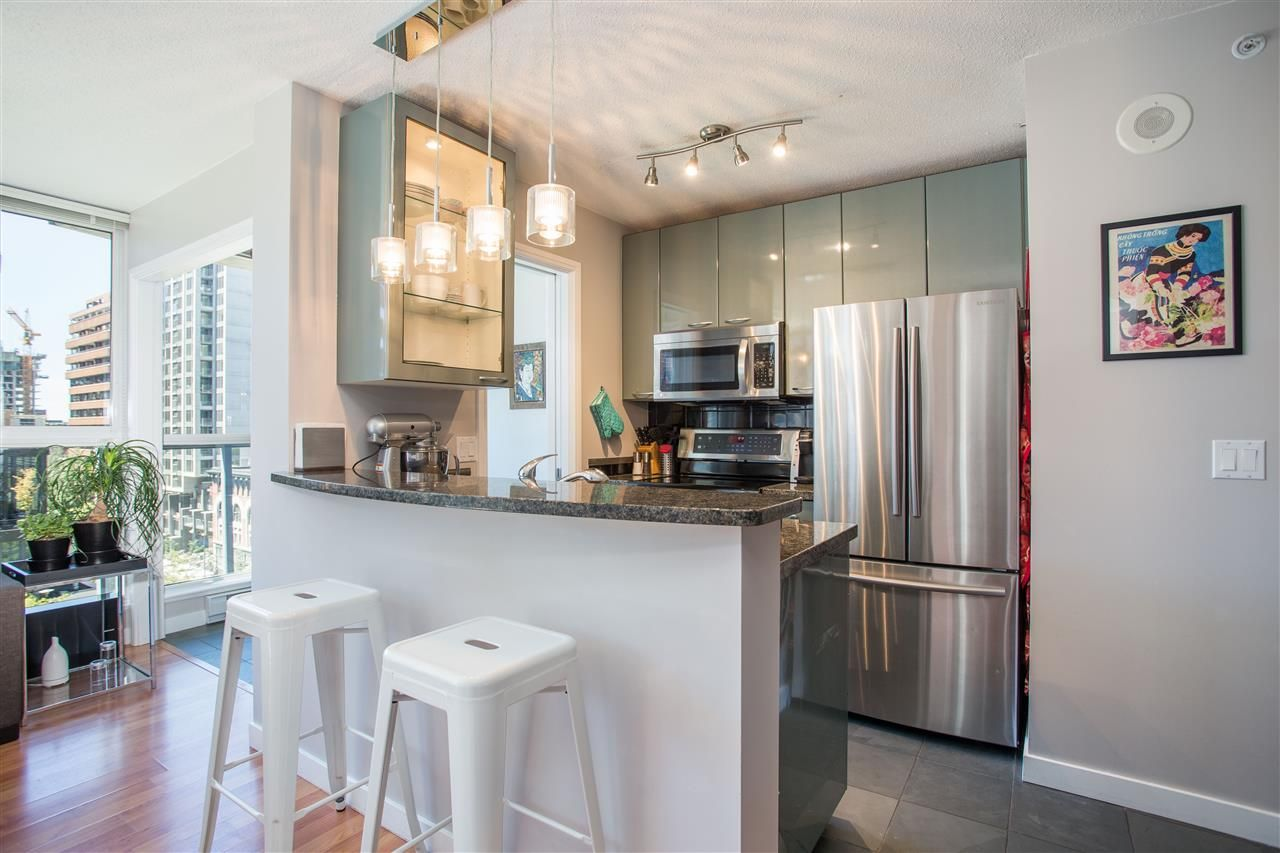 """Photo 3: Photos: 1008 1068 HORNBY Street in Vancouver: Downtown VW Condo for sale in """"The Canadian"""" (Vancouver West)  : MLS®# R2389948"""