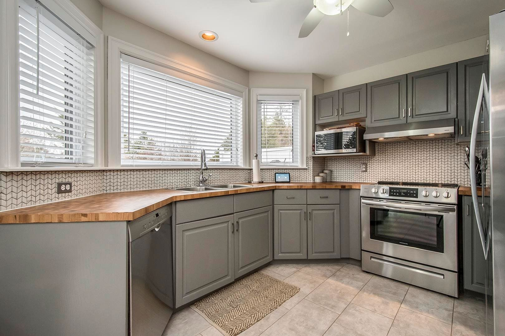 Photo 10: Photos: 64 Roy Crescent in Bedford: 20-Bedford Residential for sale (Halifax-Dartmouth)  : MLS®# 202110846