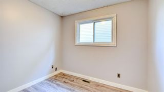 Photo 15: 210 Edgedale Place NW in Calgary: Edgemont Semi Detached for sale : MLS®# A1152992