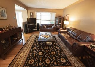 Photo 4: 111 Cornwallis Drive NW in Calgary: Cambrian Heights Detached for sale : MLS®# A1019676