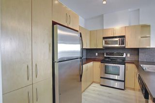 Photo 10: 202 69 Springborough Court SW in Calgary: Springbank Hill Apartment for sale : MLS®# A1123193