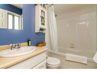 Photo 11: 21154 93RD AV in Langley: Walnut Grove House for sale : MLS®# F1422745