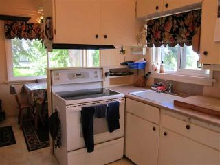 Photo 5: 204 W QUEENS Road in North Vancouver: Upper Lonsdale House for sale : MLS®# V897911