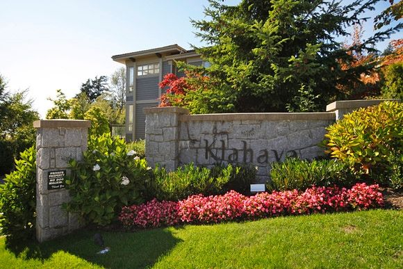 """Main Photo: 2403 SHADBOLT Lane in West Vancouver: Panorama Village Townhouse for sale in """"KLAHAYA"""" : MLS®# V851298"""