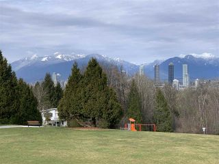 Photo 40: 5709 BOOTH Avenue in Burnaby: Forest Glen BS House for sale (Burnaby South)  : MLS®# R2540838