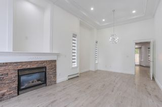 Photo 2: 6898 184 Street in Surrey: Cloverdale BC House for sale (Cloverdale)  : MLS®# R2376160