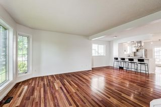 Photo 4: 18 Erin Meadow Close SE in Calgary: Erin Woods Detached for sale : MLS®# A1143099