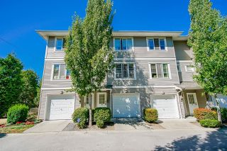 """Photo 1: 69 15155 62 A Avenue in Surrey: Sullivan Station Townhouse for sale in """"Oaklands"""" : MLS®# R2608117"""