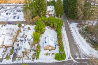 Photo 1: 2826 JANE Street in Port Moody: Port Moody Centre House for sale : MLS®# R2538271