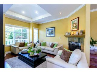 Photo 2: 638 FORBES AV in North Vancouver: Lower Lonsdale Condo for sale : MLS®# V1118672