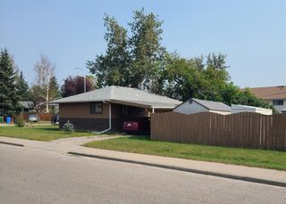 Photo 3: 6323 Bowview Road NW in Calgary: Bowness Detached for sale : MLS®# A1133070