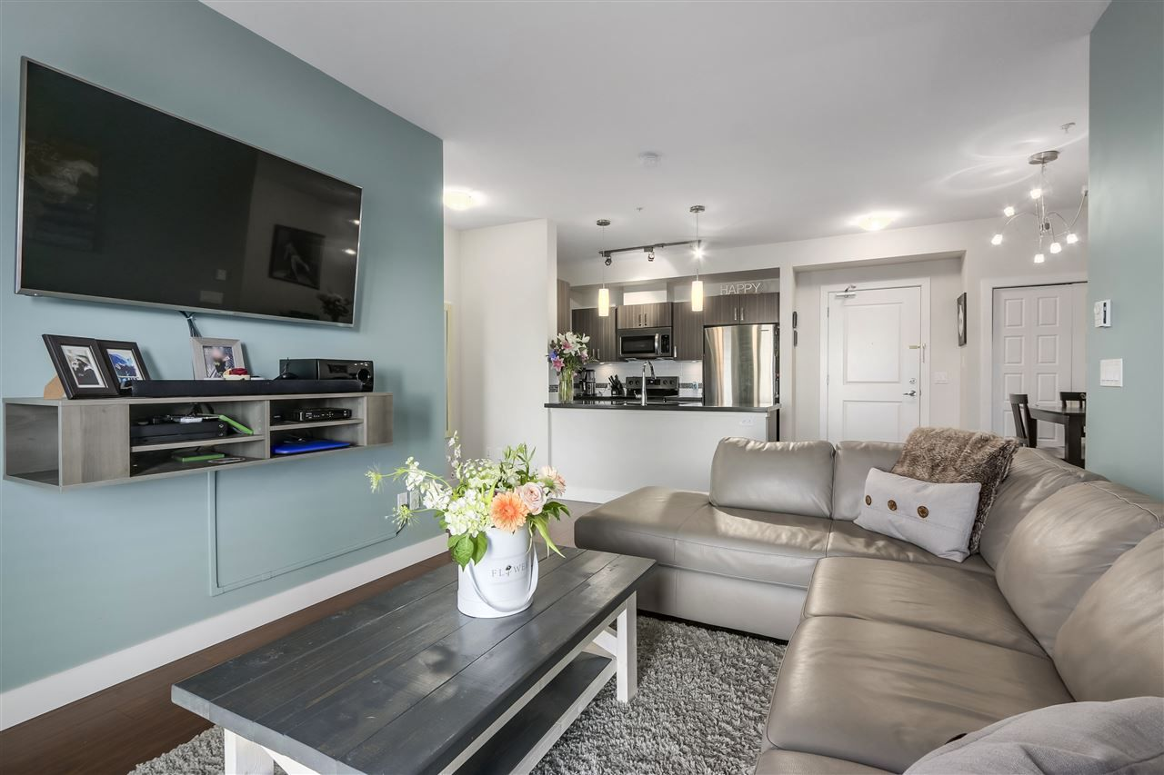 """Photo 6: Photos: 308 20219 54A Avenue in Langley: Langley City Condo for sale in """"SUEDE"""" : MLS®# R2333974"""