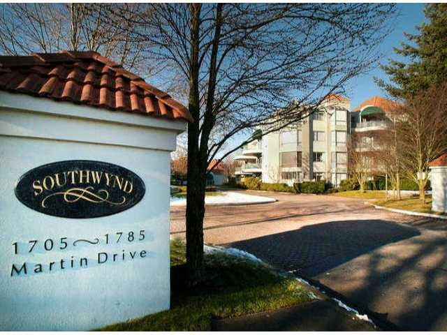 """Main Photo: 201 1705 MARTIN Drive in Surrey: Sunnyside Park Surrey Condo for sale in """"Southwynd"""" (South Surrey White Rock)  : MLS®# F1404633"""