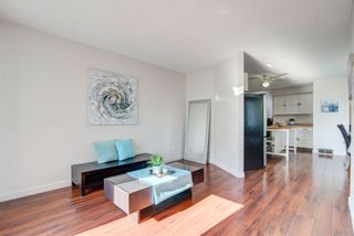 Photo 5: 4128 37 Street in Edmonton: Zone 29 House for sale : MLS®# E4253899