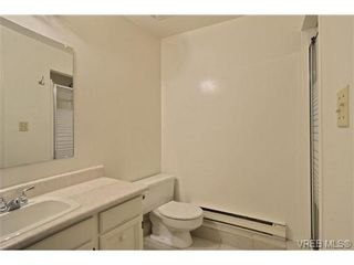 Photo 13: 30 1480 Garnet Rd in VICTORIA: SE Cedar Hill Row/Townhouse for sale (Saanich East)  : MLS®# 691734