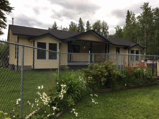 Photo 24: Photos: 1755 W FRASER Road in Quesnel: Quesnel Rural - South House for sale (Quesnel (Zone 28))  : MLS®# R2476619