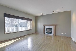 Photo 11: 112 Mt Alberta View SE in Calgary: McKenzie Lake Detached for sale : MLS®# A1082178