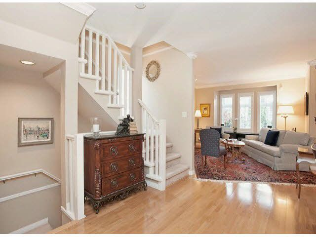 """Photo 8: Photos: 5 235 E 11TH Street in North Vancouver: Central Lonsdale Townhouse for sale in """"Fairview Court"""" : MLS®# V1094152"""