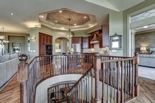 Photo 4: 251 Slopeview Drive SW in Calgary: Springbank Hill Detached for sale : MLS®# A1132385