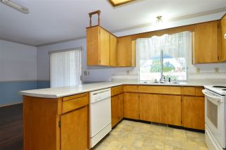 Photo 10: 1927 140A STREET in Surrey: Sunnyside Park Surrey House for sale (South Surrey White Rock)  : MLS®# R2342324