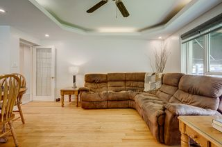 Photo 7: 269 S Central Park Boulevard in Oshawa: Donevan Freehold for sale